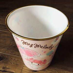 MY MELODY-NWT Plastic Waste Basket